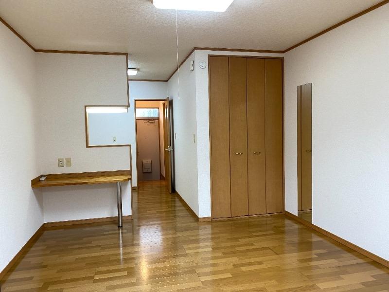 シャングリラ 2階の物件の内観